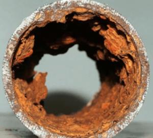 Tubo de ferro fundido oxidado Rede de esgoto